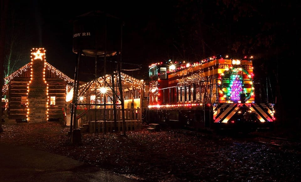 9 Christmas Trains In North Carolina Besides The Sold Out Pullen