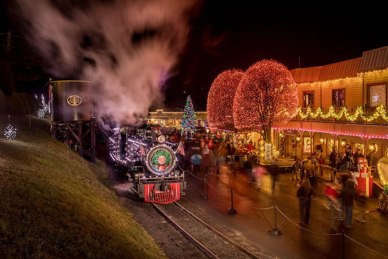 9 Christmas Trains In North Carolina Besides The Sold Out
